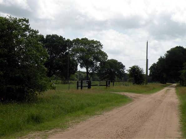 4 bed 2 bath Single Family at 10096 LAMP RD BELLVILLE, TX, 77418 is for sale at 475k - 1 of 10