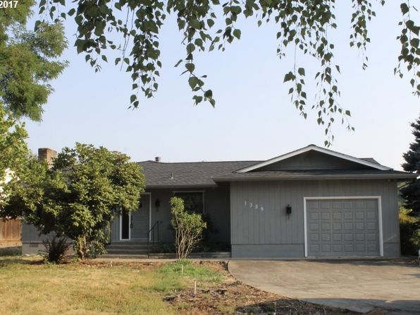 3 bed 2 bath Single Family at 1359 Quail Ln Roseburg, OR, 97471 is for sale at 320k - 1 of 25