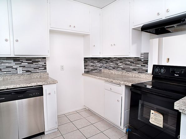 2 bed 2 bath Condo at 6520 Shirley Ave Reseda, CA, 91335 is for sale at 315k - 1 of 10