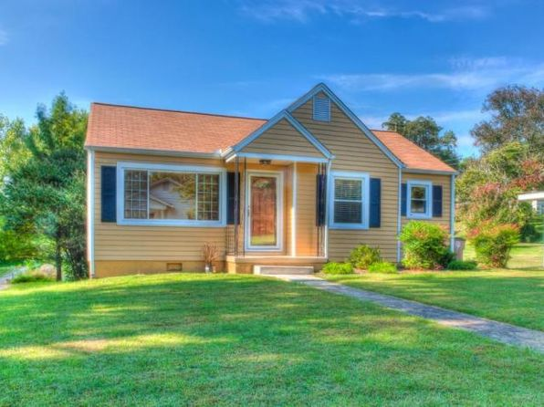 2 bed 1 bath Single Family at 804 Fairfax Ave Knoxville, TN, 37917 is for sale at 104k - 1 of 6