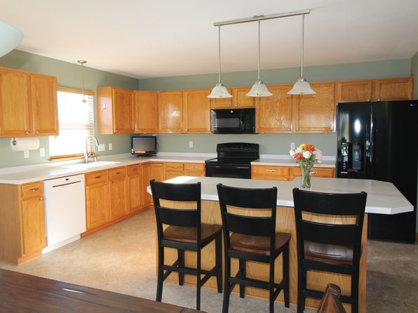 3 bed 3 bath Single Family at 1616 Falcon Dr Hartford, WI, 53027 is for sale at 260k - 1 of 27