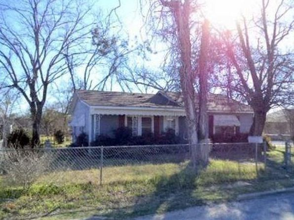 2 bed 1 bath Single Family at 600 N Pearl St Comanche, TX, 76442 is for sale at 38k - 1 of 22