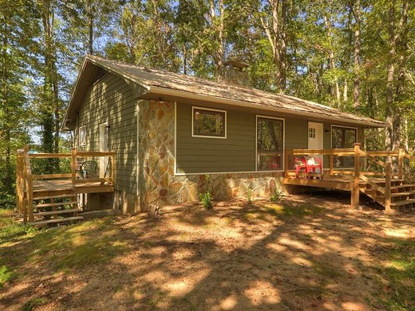 3 bed 2 bath Single Family at 35 LAKE TRACE DR BLUE RIDGE, GA, 30513 is for sale at 239k - 1 of 19
