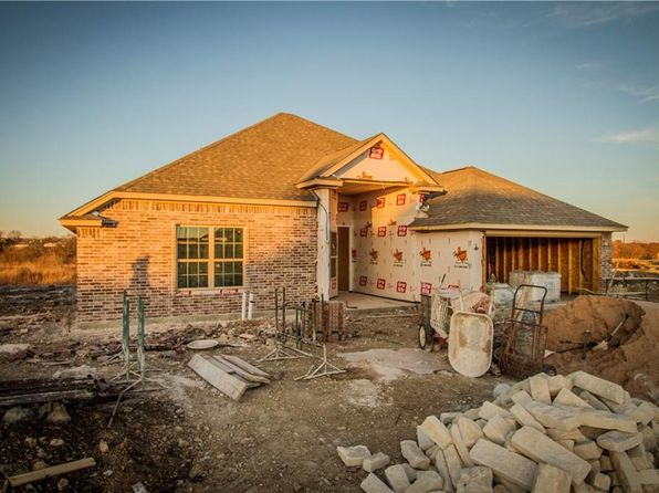 4 bed 2 bath Single Family at 210 Rees Ave Godley, TX, 76044 is for sale at 230k - 1 of 4