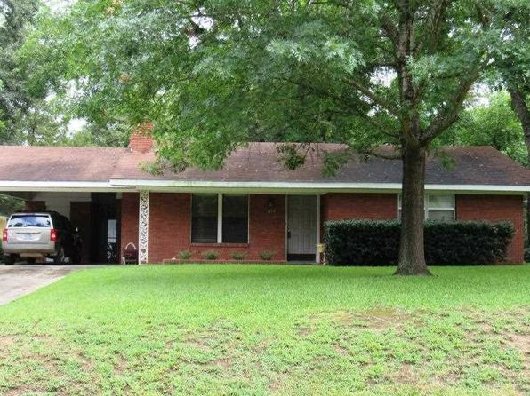 2 bed 1 bath Single Family at 304 S Alley St Jefferson, TX, 75657 is for sale at 135k - 1 of 16