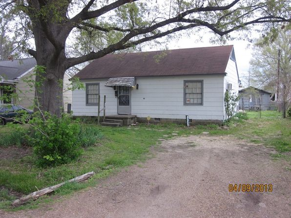 3 bed 1 bath Single Family at 405 McCool St Greenwood, MS, 38930 is for sale at 25k - google static map