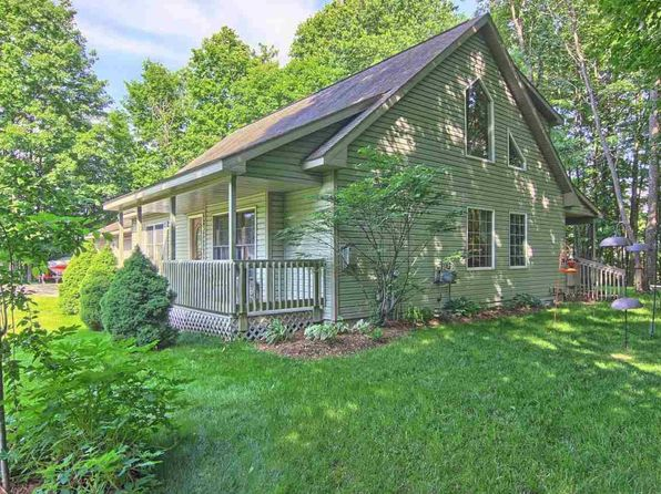 3 bed 3 bath Single Family at 994 Shamrock Ln Traverse City, MI, 49696 is for sale at 284k - 1 of 29