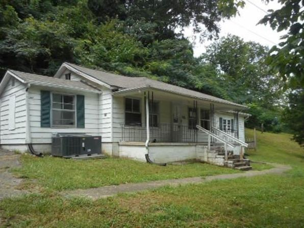 1 bed 1 bath Single Family at 108 Knox St Oliver Springs, TN, 37840 is for sale at 15k - 1 of 7