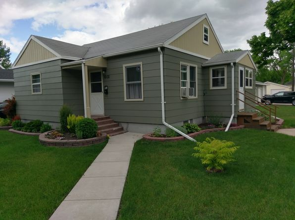4 bed 2 bath Single Family at 1602 7th Ave N Grand Forks, ND, 58203 is for sale at 168k - 1 of 21