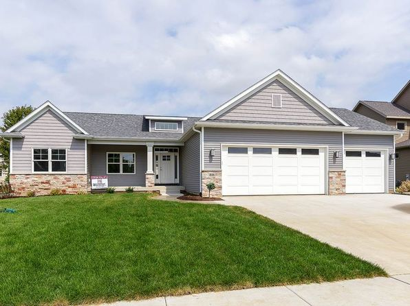 3 bed 2 bath Single Family at 818 W Pinehurst Dr Eldridge, IA, 52756 is for sale at 400k - 1 of 22