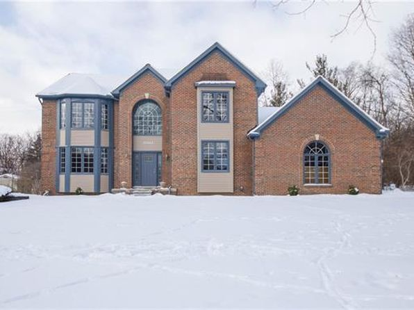 4 bed 2.5 bath Single Family at 30945 Bruce Ln Franklin, MI, 48025 is for sale at 630k - 1 of 54