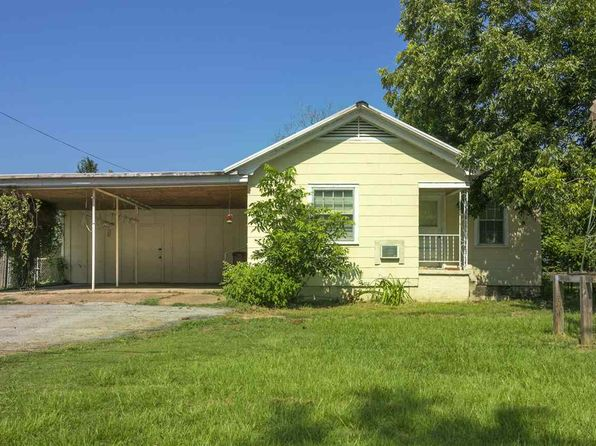 3 bed 2 bath Single Family at 302 S Oak St Hallsville, TX, 75650 is for sale at 55k - 1 of 14