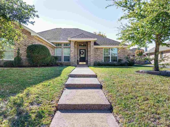 4 bed 2 bath Single Family at 1125 S Haven Hewitt, TX, 76643 is for sale at 235k - 1 of 29