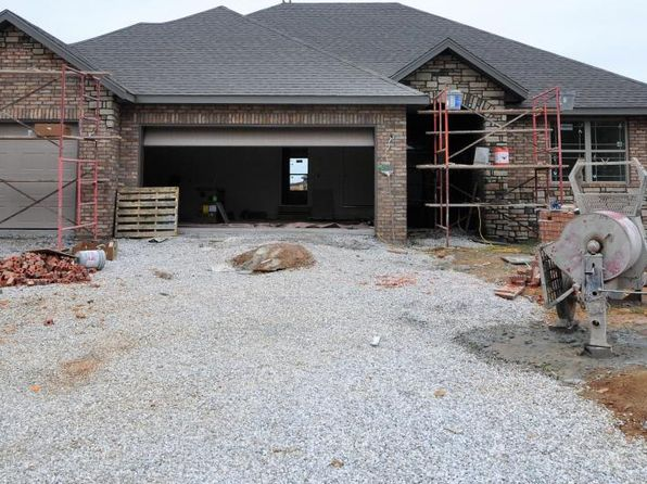 4 bed 2 bath Single Family at 870 E Striper Dr Nixa, MO, 65714 is for sale at 175k - 1 of 7