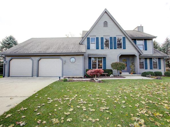 3 bed 3 bath Single Family at 5805 Oakdale Ct Grafton, WI, 53024 is for sale at 390k - 1 of 25
