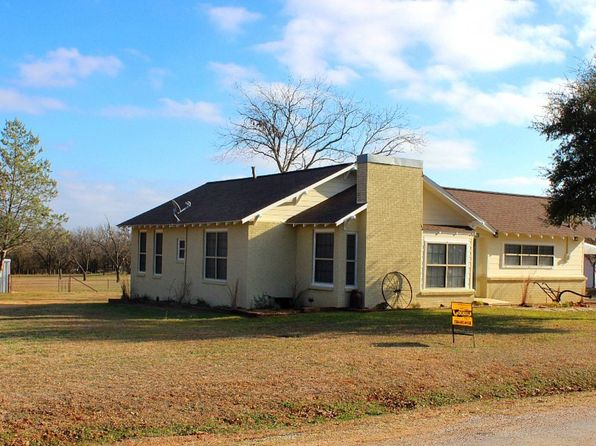 2 bed 2 bath Single Family at 457 S Bell St De Leon, TX, 76444 is for sale at 80k - 1 of 22