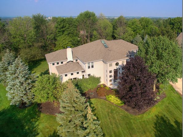 5 bed 5 bath Single Family at 5230 Stonebridge Ct Solon, OH, 44139 is for sale at 879k - 1 of 17