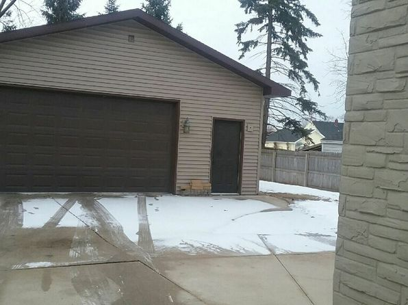 3 bed 2 bath Single Family at 881 7th St Menasha, WI, 54952 is for sale at 130k - 1 of 4