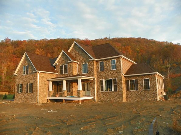 4 bed 4 bath Single Family at 26 Caliburn Ct Wappingers Falls, NY, 12590 is for sale at 772k - 1 of 12