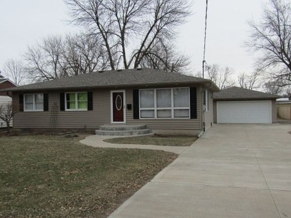 3 bed 2 bath Single Family at 415 6th St Camanche, IA, 52730 is for sale at 155k - 1 of 17
