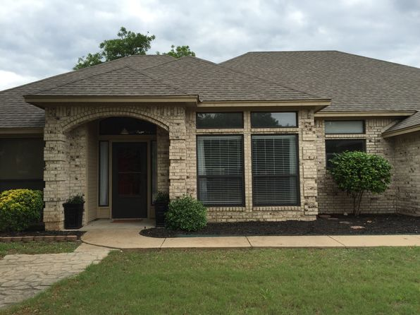 3 bed 3 bath Single Family at 1104 Red Bird Ln Granbury, TX, 76048 is for sale at 225k - 1 of 25