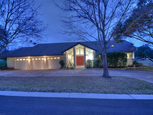 3 bed 3 bath Single Family at 2704 Aurora Horseshoe Bay, TX, 78657 is for sale at 529k - 1 of 25