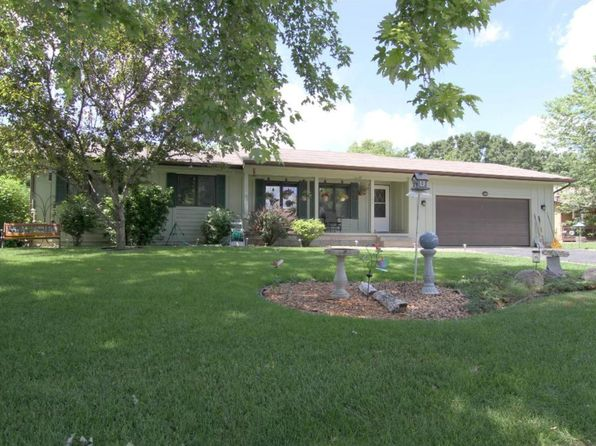 4 bed 2 bath Single Family at 7761 Banks Ct Inver Grove Heights, MN, 55077 is for sale at 283k - 1 of 23