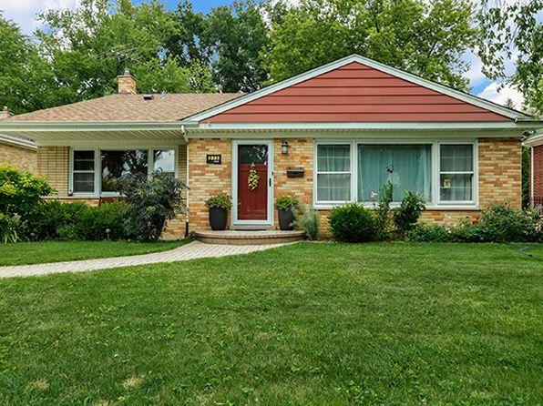 3 bed 2 bath Single Family at 273 Pinehurst Dr Des Plaines, IL, 60016 is for sale at 320k - 1 of 24