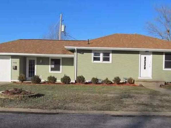 3 bed 2 bath Single Family at 1511 Tennell Rd Pekin, IL, 61554 is for sale at 97k - 1 of 23