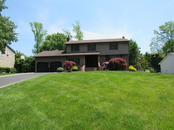 5 bed 3 bath Single Family at 28 Kingsley Dr Manalapan, NJ, 07726 is for sale at 550k - 1 of 33