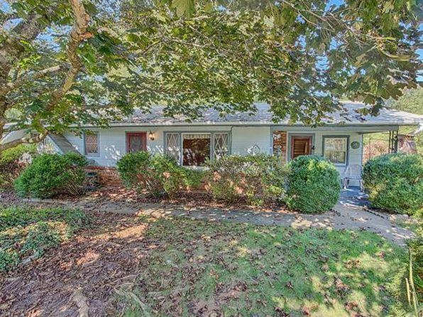 3 bed 2 bath Single Family at 53 White Dogwood Ln Lake Junaluska, NC, 28745 is for sale at 180k - 1 of 24