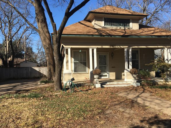 3 bed 2 bath Single Family at 2000 LIPSCOMB ST FORT WORTH, TX, 76110 is for sale at 290k - 1 of 18
