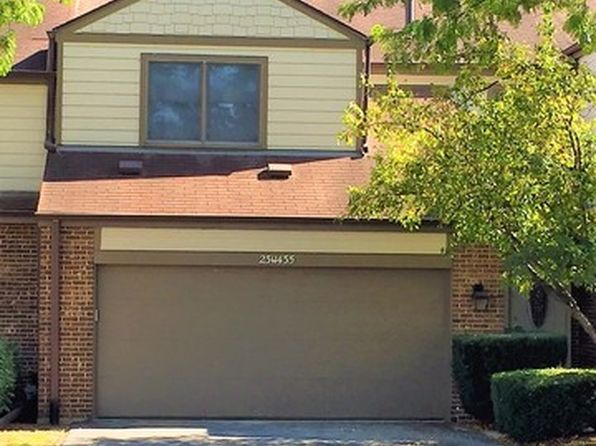 3 bed 2 bath Townhouse at 23W435 Green Trails Dr Naperville, IL, 60540 is for sale at 285k - 1 of 14