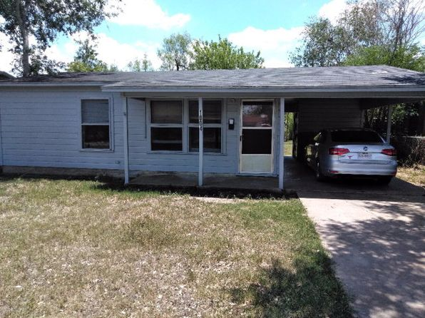 2 bed 1 bath Single Family at 1004 Hil Alice Alice, TX, 78332 is for sale at 45k - 1 of 2