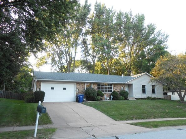 3 bed 3 bath Single Family at 4053 Tanglefoot Ter Bettendorf, IA, 52722 is for sale at 230k - 1 of 22
