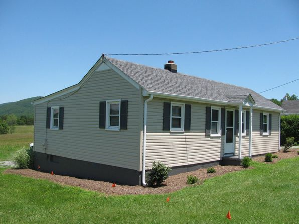3 bed 1 bath Single Family at 15793 Old Franklin Tpke Penhook, VA, 24137 is for sale at 89k - 1 of 25