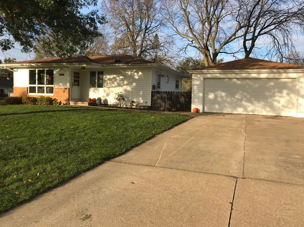 3 bed 2 bath Single Family at 4011 Clearview Dr Cedar Falls, IA, 50613 is for sale at 155k - 1 of 15