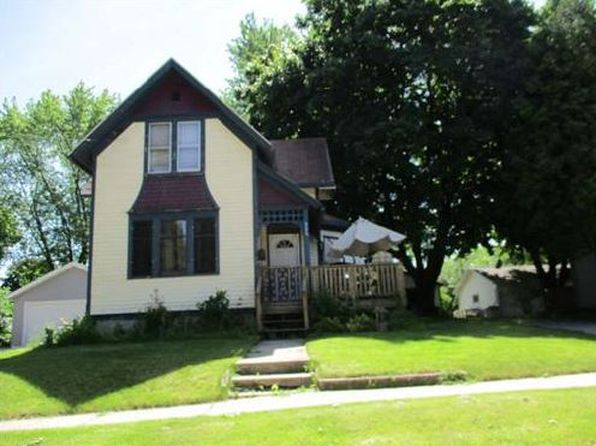3 bed 1 bath Single Family at 906 Desnoyer St Kaukauna, WI, 54130 is for sale at 45k - 1 of 3