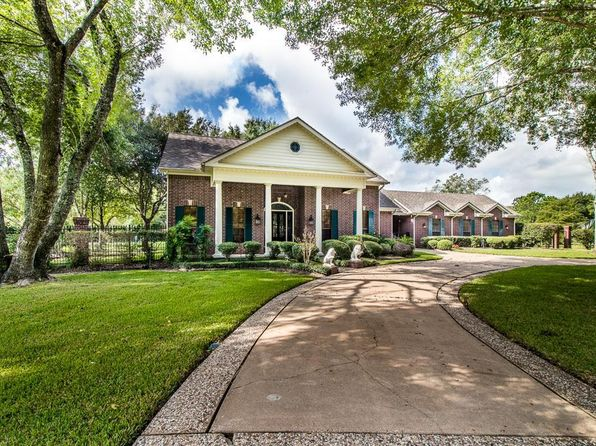 4 bed 4 bath Single Family at 927 Layfair Pl Friendswood, TX, 77546 is for sale at 475k - 1 of 27