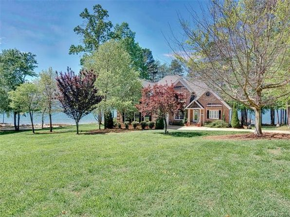 3 bed 4 bath Single Family at 2799 Camden Pointe Dr Sherrills Ford, NC, 28673 is for sale at 838k - 1 of 21