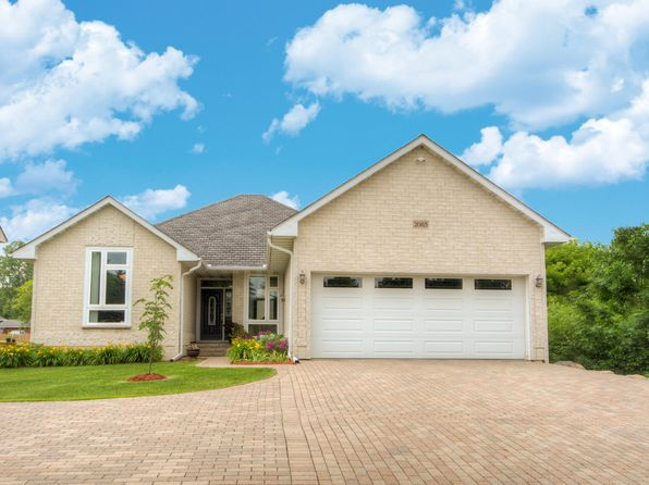 4 bed 3 bath Single Family at 2083 Division St N Maplewood, MN, 55109 is for sale at 340k - 1 of 21
