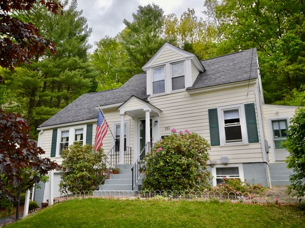 3 bed 2 bath Single Family at 151 Pickering St Manchester, NH, 03104 is for sale at 235k - 1 of 19