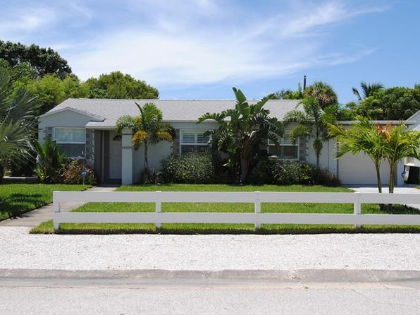3 bed 2 bath Single Family at 14024 N Bayshore Dr Madeira Beach, FL, 33708 is for sale at 470k - 1 of 22