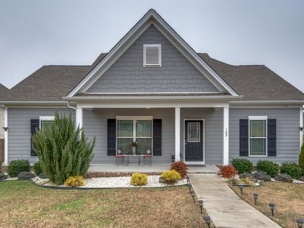 3 bed 2 bath Single Family at 109 ELLERSLY WAY KINGSTON SPRINGS, TN, 37082 is for sale at 285k - 1 of 26