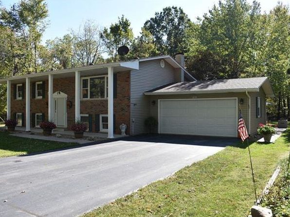 3 bed 3 bath Single Family at 7981 Detour Rd Bunker Hill, IL, 62014 is for sale at 220k - 1 of 32