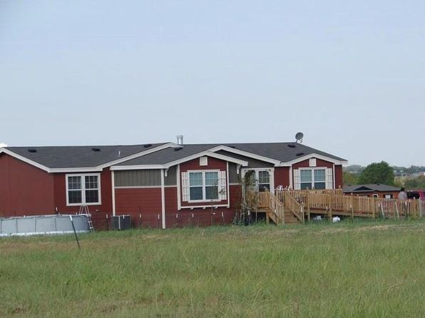 3 bed 2 bath Single Family at 1054 County Road 699 Farmersville, TX, 75442 is for sale at 177k - 1 of 4