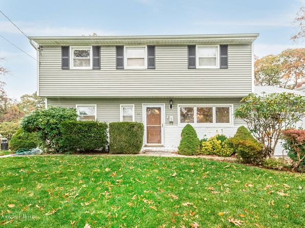 5 bed 3 bath Single Family at 55 COURT DR HUNTINGTON STATION, NY, 11746 is for sale at 419k - 1 of 20