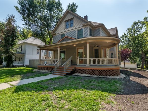 4 bed 6 bath Single Family at 1301 SW Mulvane St Topeka, KS, 66604 is for sale at 225k - google static map