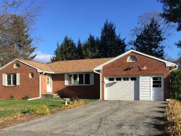 3 bed 2 bath Single Family at 1046 Codwise St Kingston, NY, 12401 is for sale at 242k - 1 of 31