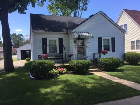 3 bed 2 bath Single Family at 2004 Maple St Columbus, IN, 47201 is for sale at 118k - 1 of 14